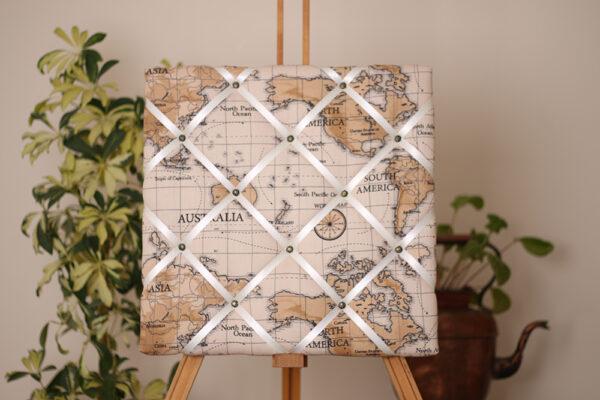 Taupe Atlas Noticeboard