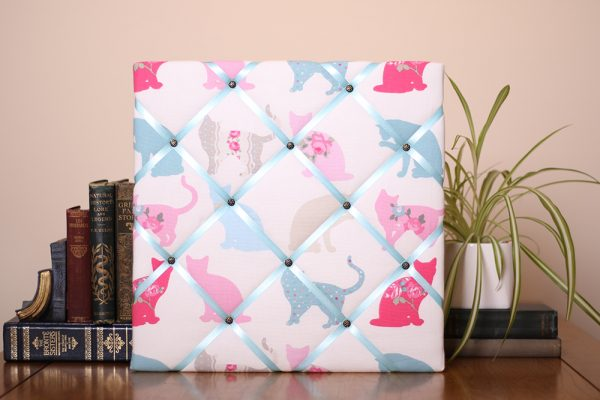Turquoise Cats Noticeboard
