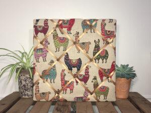 Llamas Noticeboard
